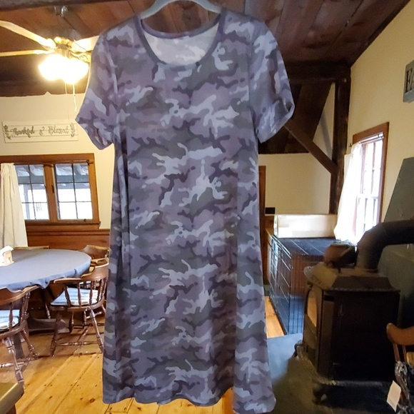LuLaRoe Dresses & Skirts - Camo Jessie dress